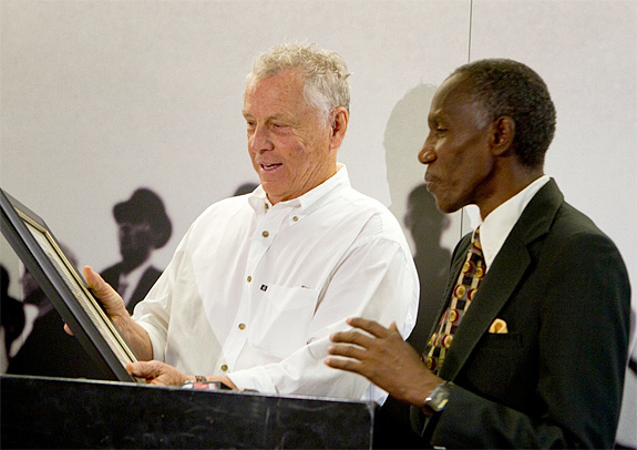 Morris Dees accepts Walker County award