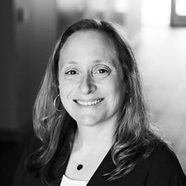 Elizabeth Grossman Bio Photo